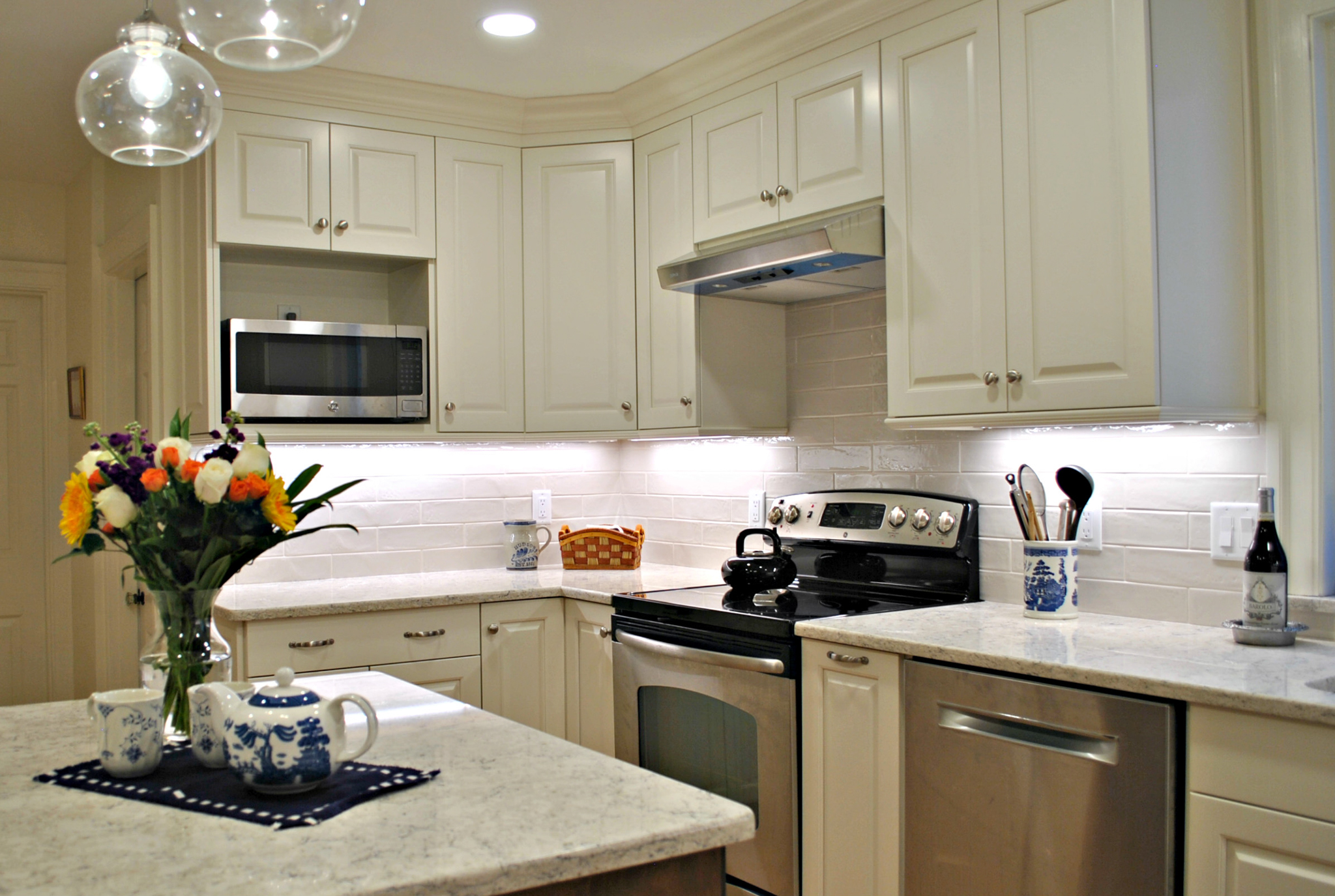 Charmant 50 Year Old Kitchen In Hudson, MA Gets A Facelift