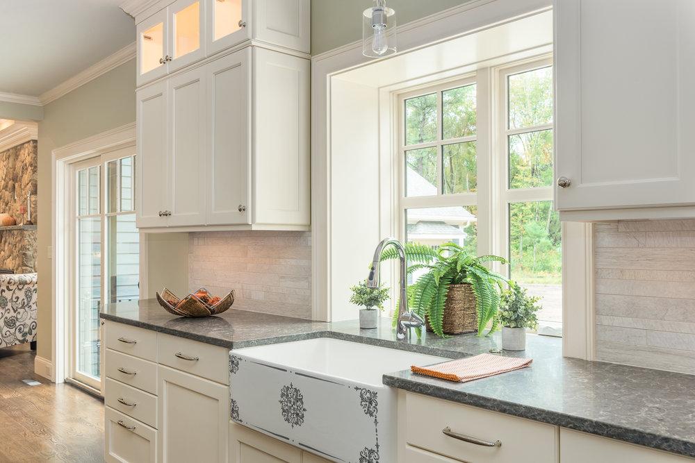 Bedford_MA_Kitchen_Remodel_Kitchen_Associates