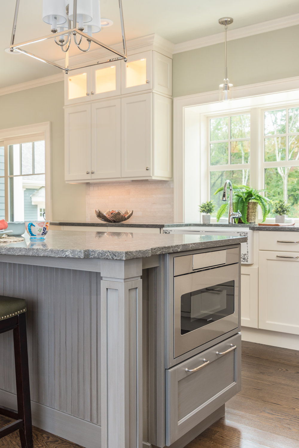Bedford_MA_Kitchen_Remodel_Kitchen_Associates