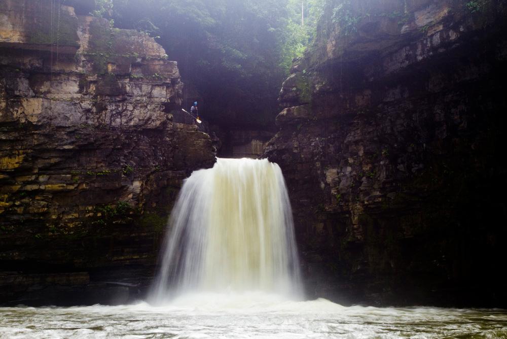Pusuno Falls