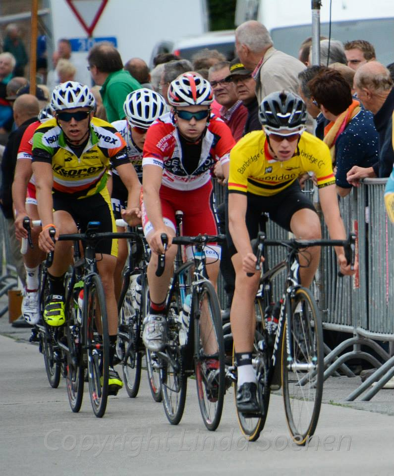 In the thick of the action in Belgium ( photo copyright linda soenen )
