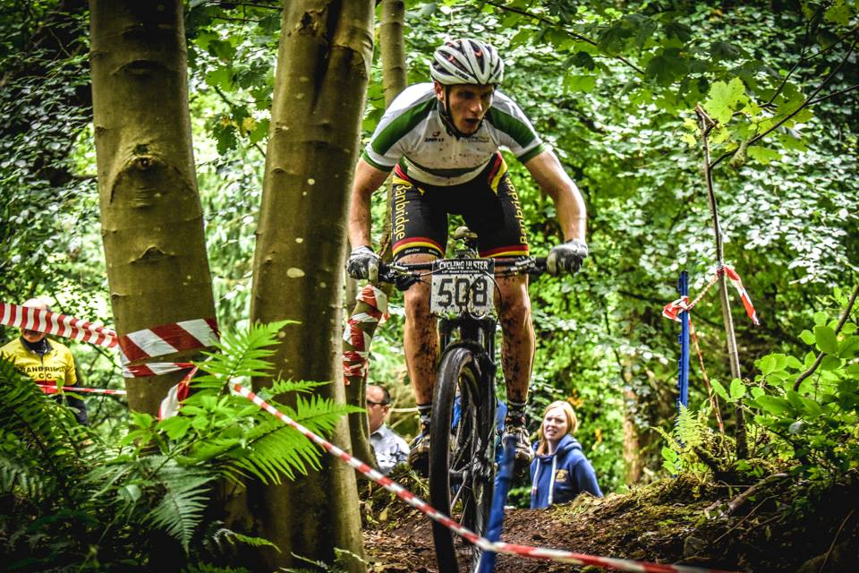Gareth McKee had a great race to claim silver, but had to give way to the faster legs of Curry in the closing stages.   Photo   © Richard Cowan
