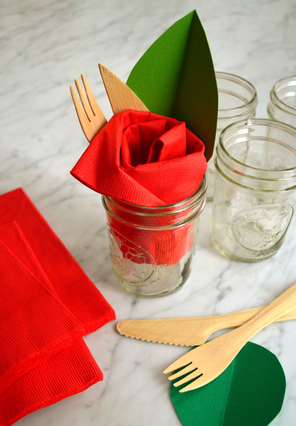 red-paper-rose-napkin-supermakeit
