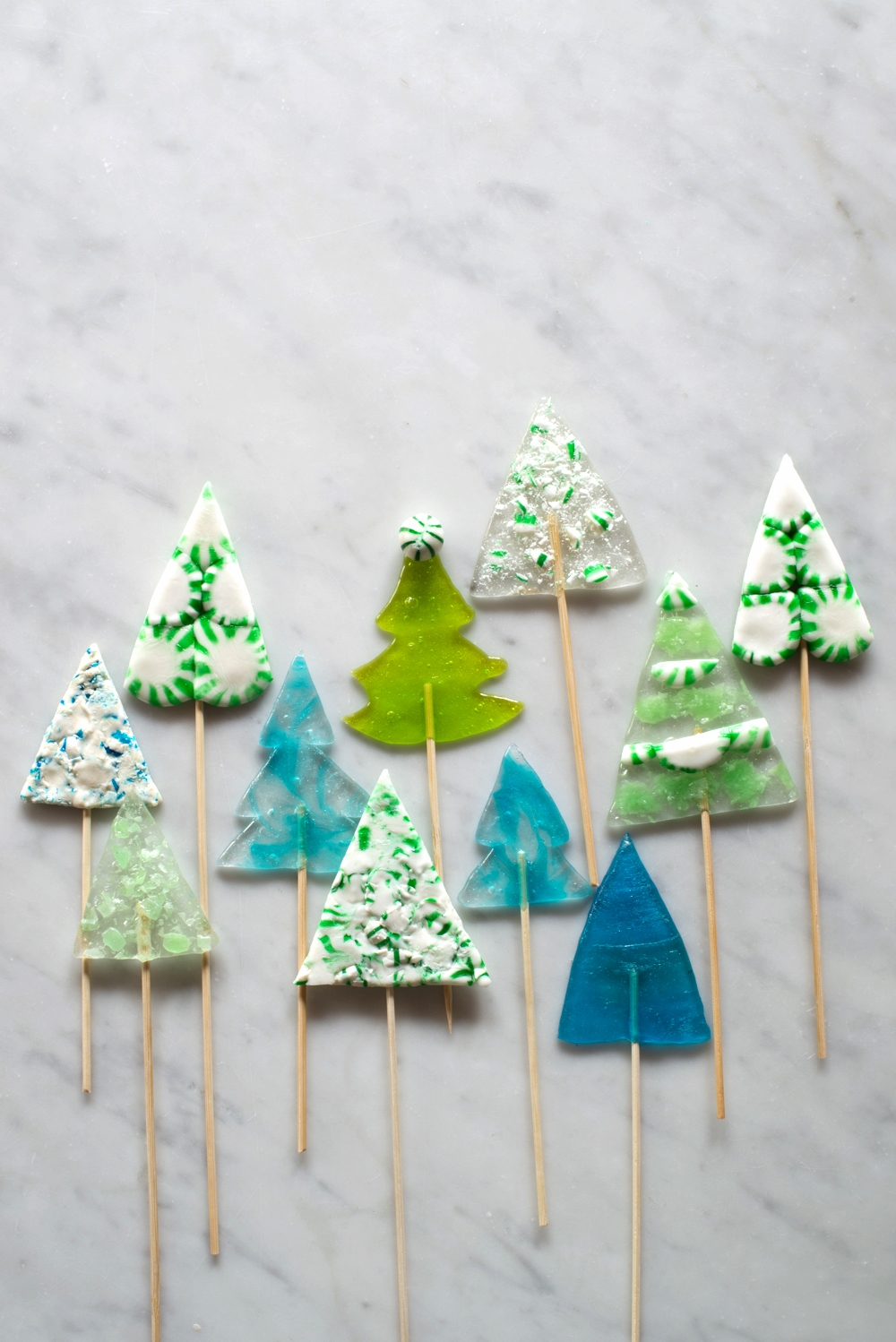 Candy-Aisle-Crafts-Triangle-Tree-Pops