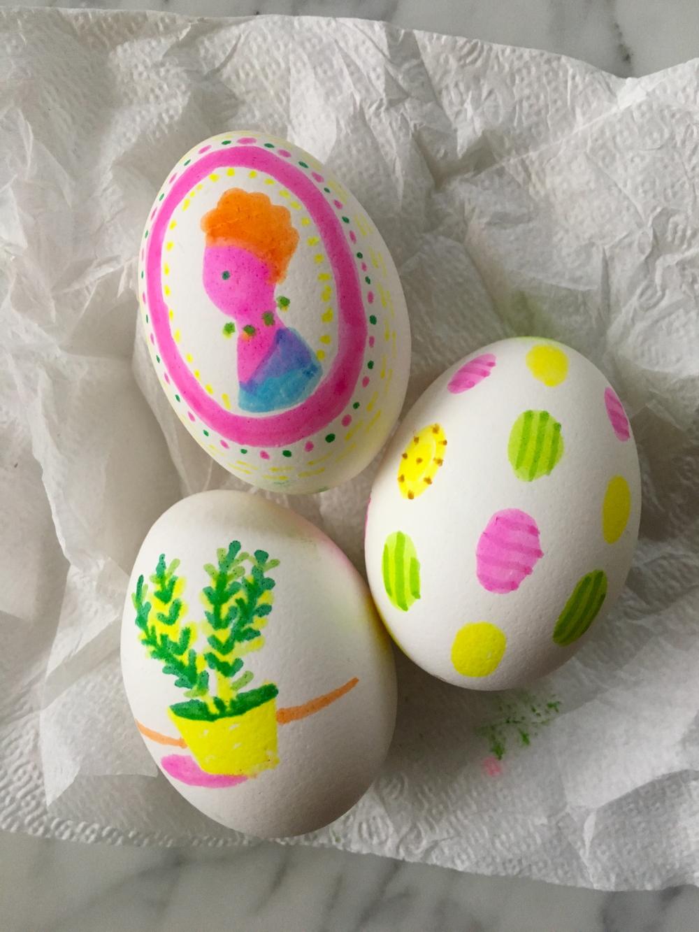 3-Highlighter-Eggs-Super-Make-It