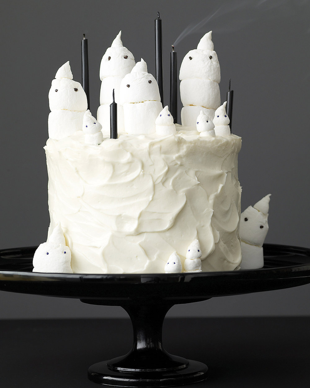 Marshmallow-Ghost-Cake