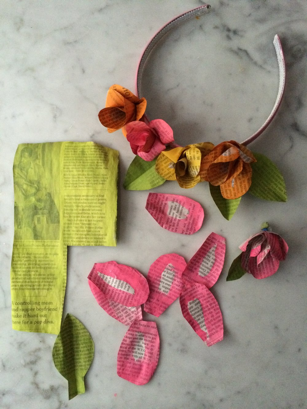 Newspaper-flower-headband-super-make-it