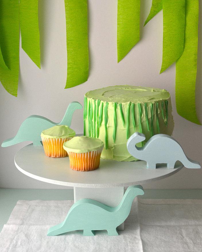Dinosaur-Cake-Stand-Super-Make-It