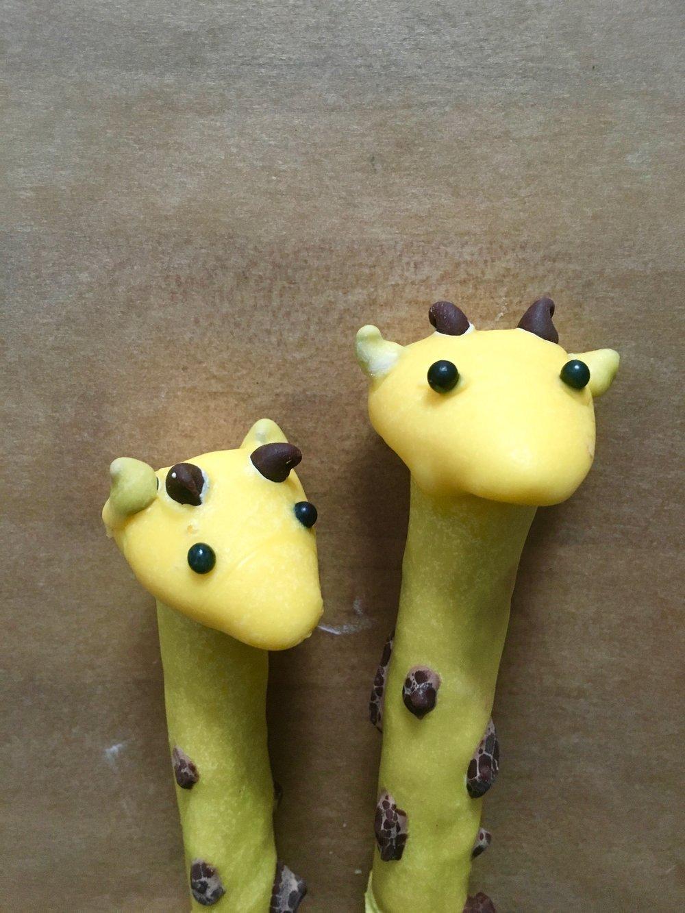 Giraffe Cupcake Pretzel Heads