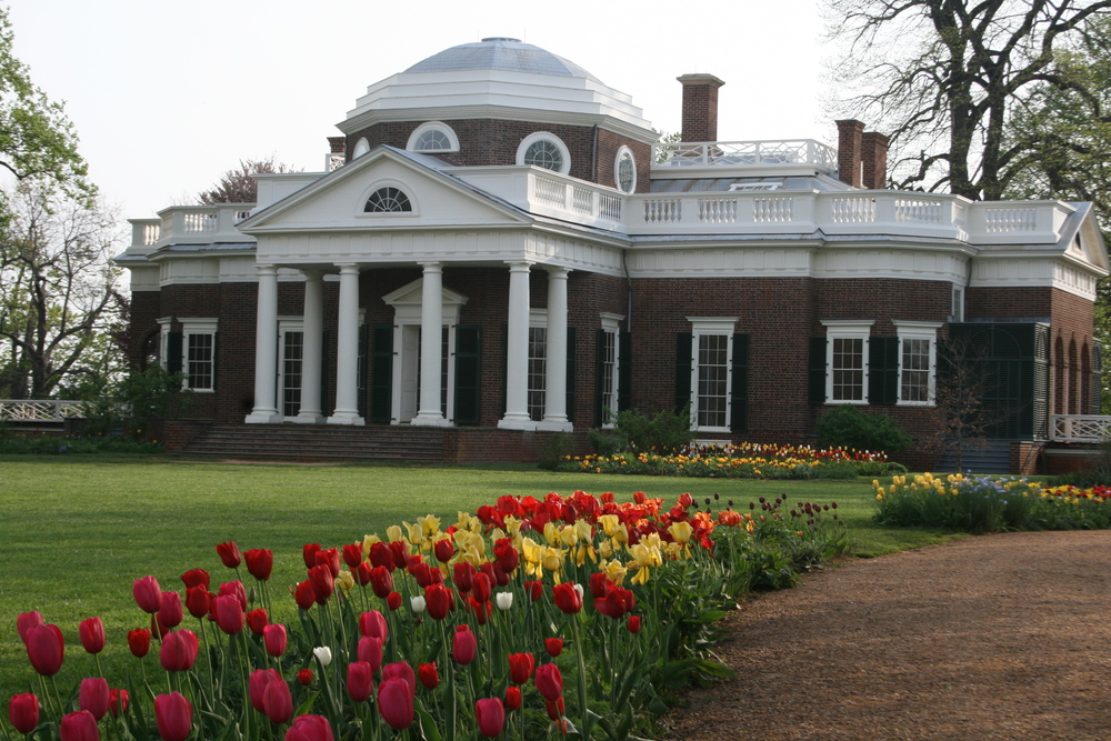 Monticello West Front and Flower Gardens, April, 2009. Photo by Peter J. Hatch, courtesy of Thomas Jefferson Foundation
