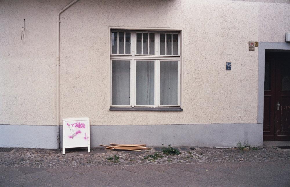 davislam.com_2015-08_berlin-empty-17.jpg