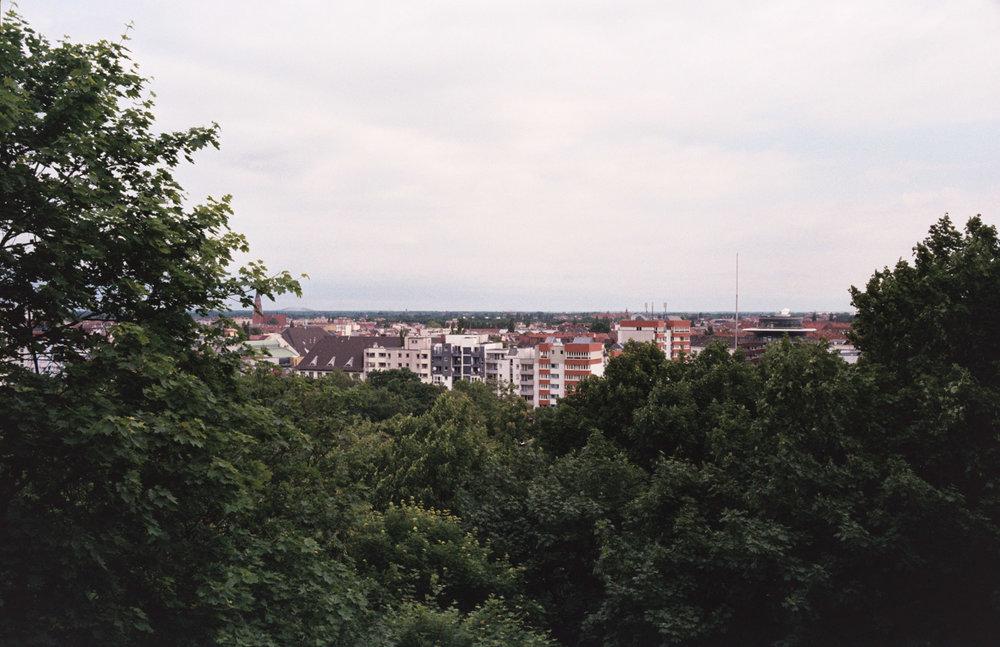 davislam.com_2015-08_berlin-empty-21.jpg