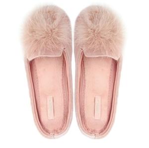 3787b36ad10b Derix Women s Cozy Velvet Memory Foam House Home Slippers With Non Slip  Soles