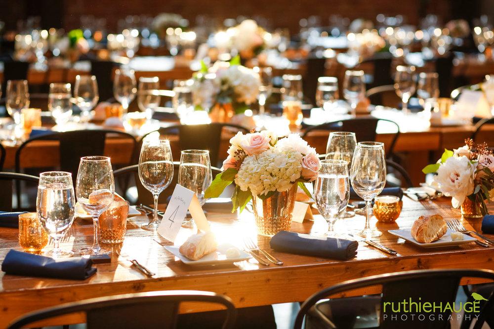 ruthie-hauge-photography-fab-flora-ovation-chicago-wedding-florist-flowers-20.jpg