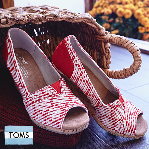 184284_toms_women_day4d.jpg