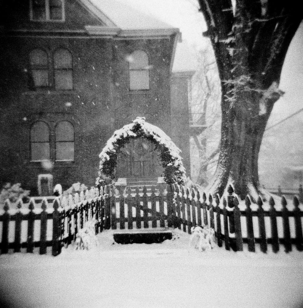 Snow House-1.jpg