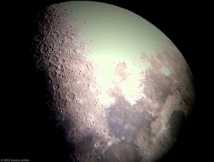 iphone_moon1.jpg