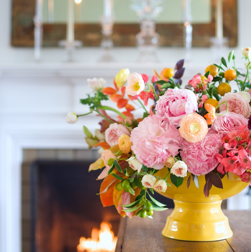 Bright Thanksgiving Centerpiece / Kiana Underwood / tulipina.com | Photography: Nathan Underwood / nruphoto.com