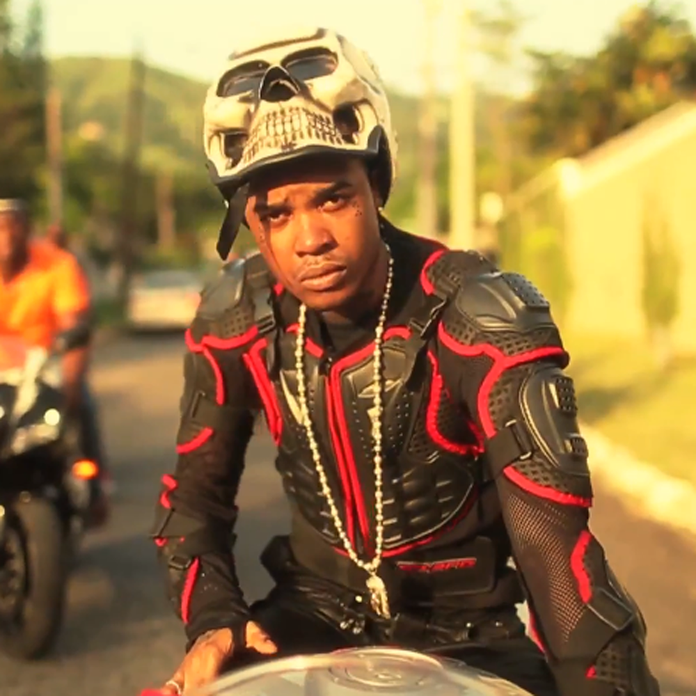 Tommy-Lee-Sparta-Buss-A-Blank-Official-Video-Explicit-Version3.png