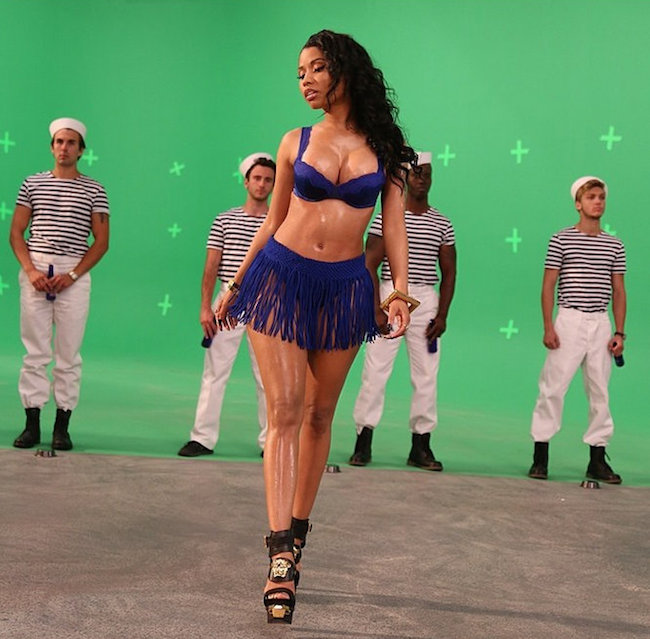 Nicki-Minaj-Myx-Commercial-8.jpg