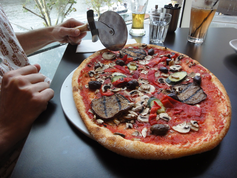 Simple Italian Cuisine at La Camera pizza.JPG