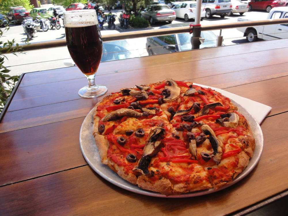 17Sept14 pizza and beer.JPG