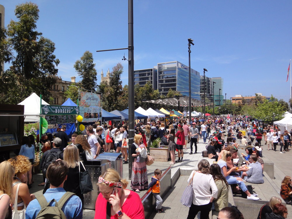 A sunny road-trip to Adelaide's Vegan Festival - two days of learning, eating and chilling.