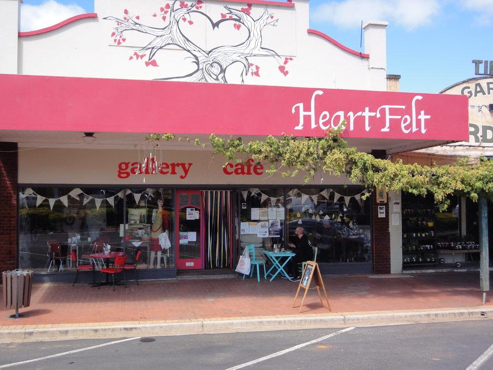 Heartfelt food vegan gluten free Kaniva Victoria Austrlia travel roadtrip road travel salad coffee