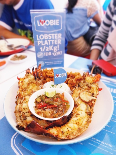 Lobster Platter 1/2Kg (IDR 137.000) - Eat at your own *cholesterol* risk, but I'm telling you this one will surely gives you lobstergasm!