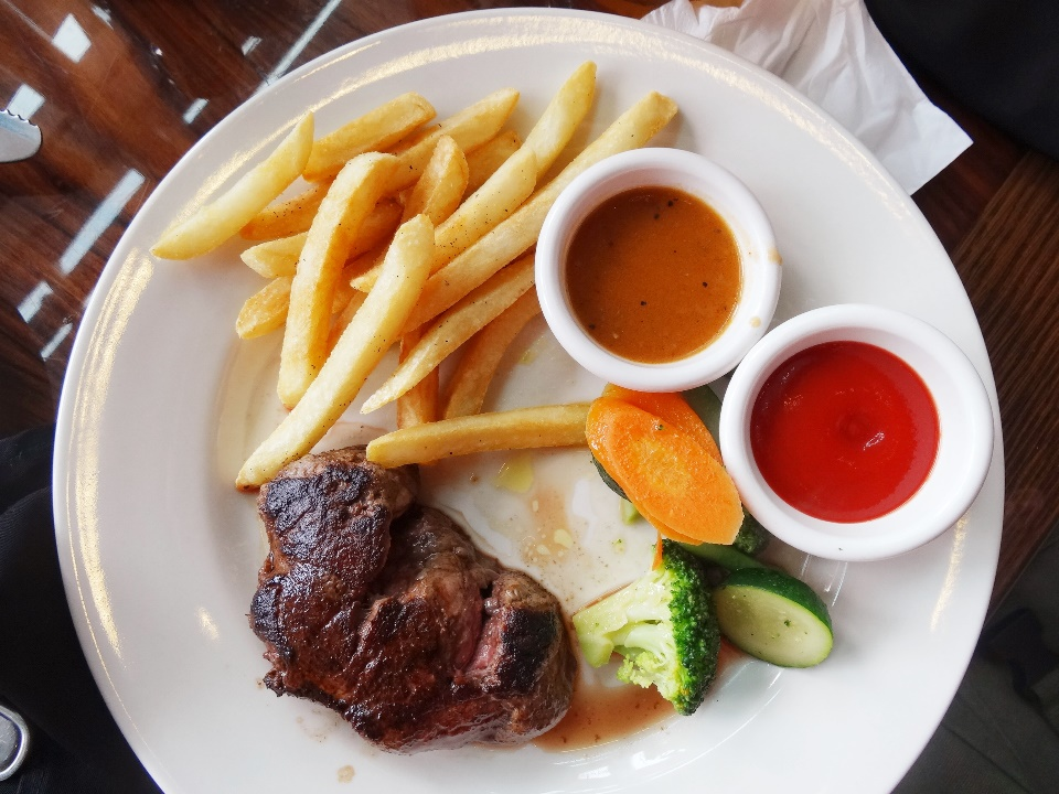 Victoria's Filet  - Rp 299.000  a.k.a filet mignon, the most tender and juicy 8 oz. thick cut filet! Please don't order a well-done steak for this cut, it's best served medium rare of medium, seriously melts in your mouth.