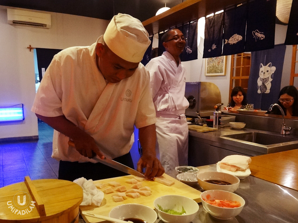 Chef Syaiful preparing mekajiki cuts for our 4th sashimi course. More cuts, please! 3 cuts were never enough.