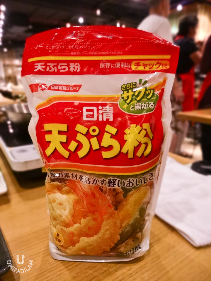 TenTen uses this particular type of tempura flour. Look out for this brand on your local Asian groceries market, in Jakarta, I've seen it in Kemchik and Food Hall.