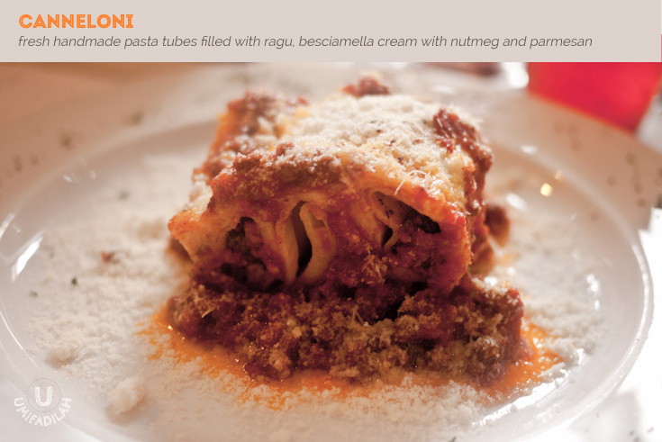 CANNELLONI (IDR 69k). Their pasta tubes are freshly made, and the ragu' is super tasty with generous meat in it. It also contains firm chunks of spinach and there's a slight hint of nutmeg flavor. Thickly coated in surroundings by generous amount of grated parmesan, this is definitely an Italian comfort food.
