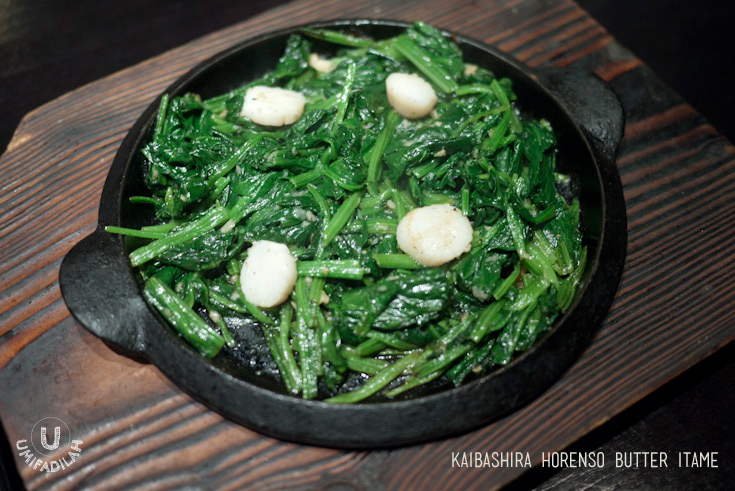 Kaibashira Horenso Butter Itame | Butter Fried Scallop & Spinach (IDR 53k)  – I figured, just by looking at the ingredients we would all know how it tastes, right? Scallop. Japanese Spinach. Butter. Sizzling hot. Crunchy bites of perfectly cooked horenso, with buttered scallop. Awesome combination!