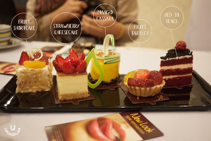 FRUIT SHORTCAKE  (Rp.15.500,-) Light & fluffy vanilla sponge cake coated w/ whipped cream, topped w/ daily picked fruits.     STRAWBERRY CHEESECAKE  (Rp.22.000,-) Boston baked cheesecake with cheese cracker crust topped with fresh strawberries.     MANGO CASSATA  (Rp.18.000,-) Fragrant mango & chocolate mousse with layers of chocolate sponge cake inside.     FRUIT TARTLET  (Rp.12.500,-) Buttery tart shell filled with vanilla pastry cream with daily-picked fruits.     RED IN BLACK . Dapur Cokelat's interpretation of red velvet. This time, plus Oreo crumble!