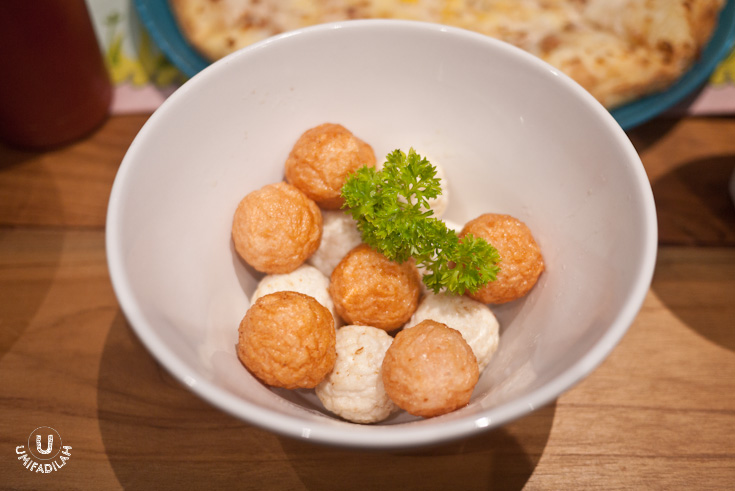 Squid + Prawn Balls, IDR 22k.