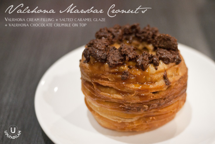 Valrhona Marsbar Cronut  = Valrhona Cream Filling + Salted Caramel Glaze + Valrhona Choc Crumble on top. IDR 20.000++ (means,  IDR 24.000 nett ).  Order minimum 3 hours in advance, by phone to (021) 52964960 and pick them up at Publico Jakarta. Address below this post.