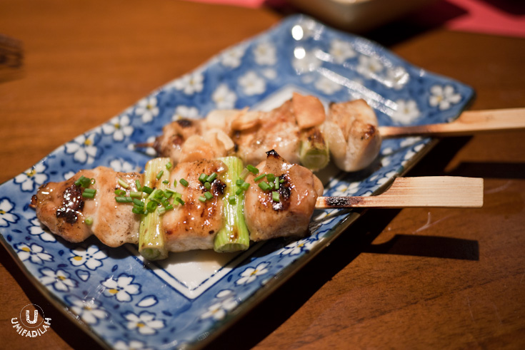 Yakitori (grilled chicken breast & scallions) – IDR 12.000. The front one is the sweet type, and the other one is the salty one. Loved the sweet ones more.