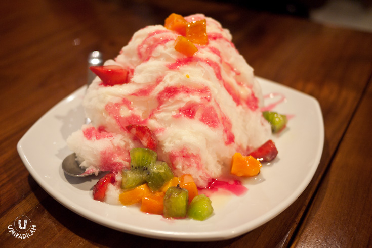 Fruity Snow Ice – IDR 18.900.  HUGE portion for a dessert, really.