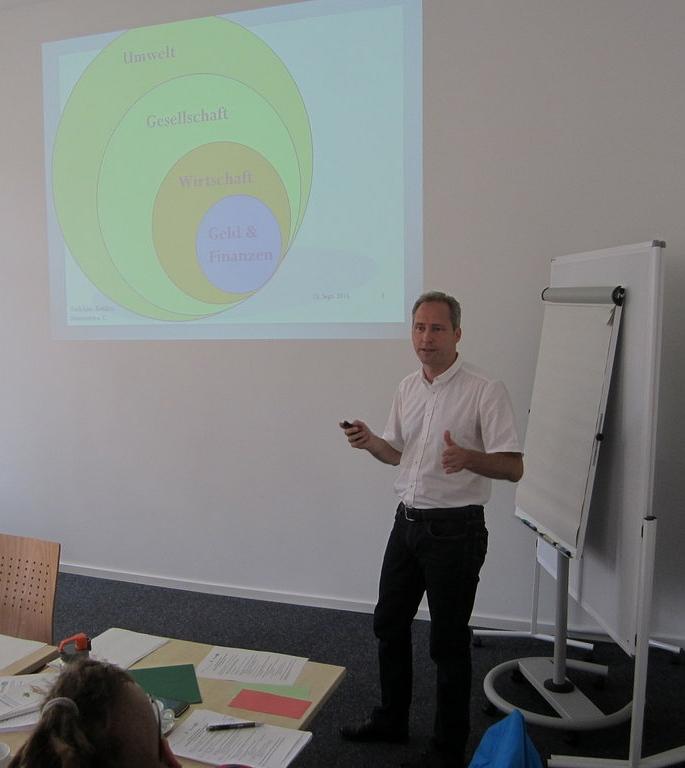 Markus Duscha beim ersten Vortrag zur ORIENTIERung