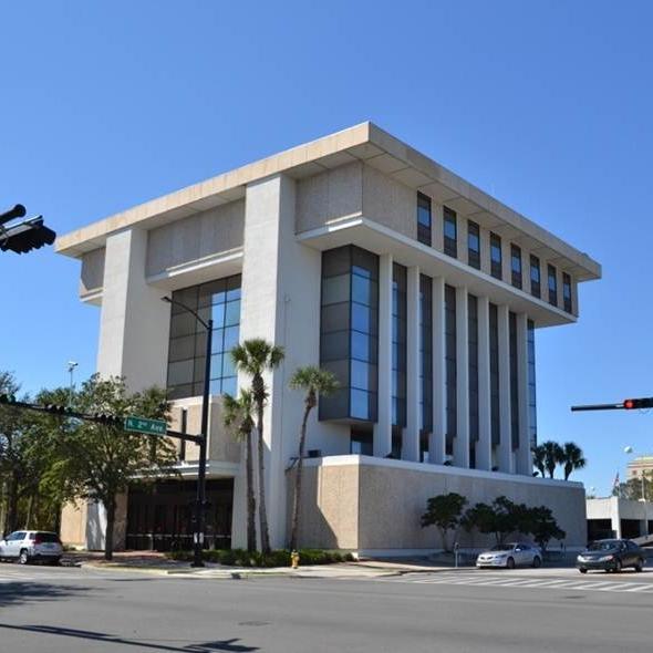 Wells Fargo Gainesville.jpg
