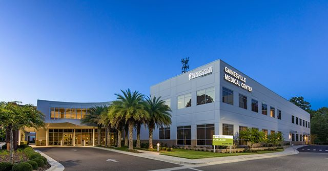 Beautiful, premium medical office building available for lease! 🏢 —— Check out Gainesville Medical Center, which features a covered patient drop-off area, a spacious lobby with a cafe and coffee bar, and a paved parking lot, as well as access to a covered parking garage. Link in bio!