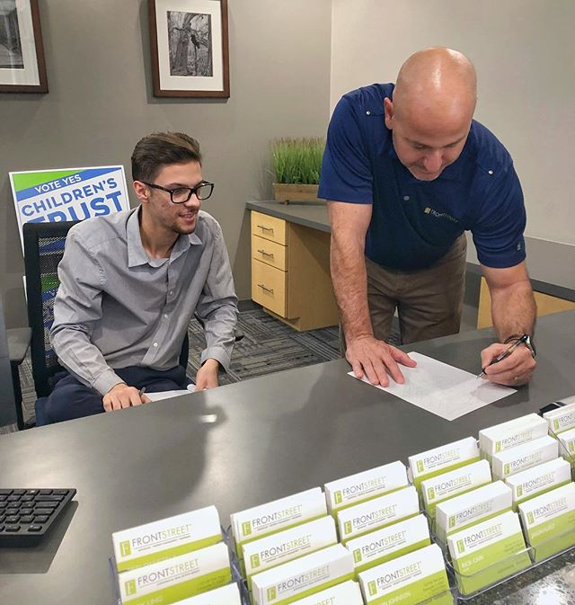 Front Street Managing Director Nick Banks and Marketing Associate Dustin Walsh sketching out some design ideas before the weekend ✏️ . We hope you all have a great weekend! . #ItsTheLeaseWeCanDo #WhosYourBroker #CRE