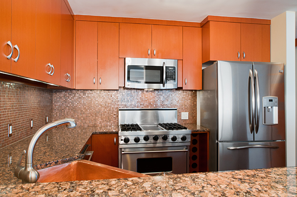Central_Park_West_382_20-C_Kitchen_.jpg