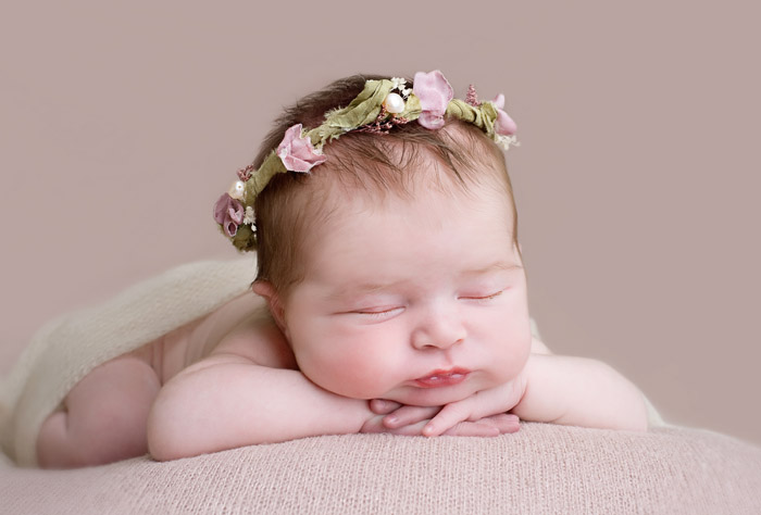 natural newborn portrait