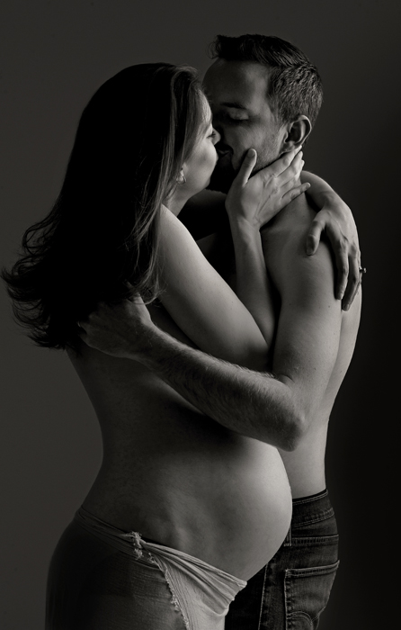romantic couples maternity portrait