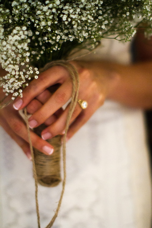 Fathom-Gallery-wedding-baby's-breath-bouquet