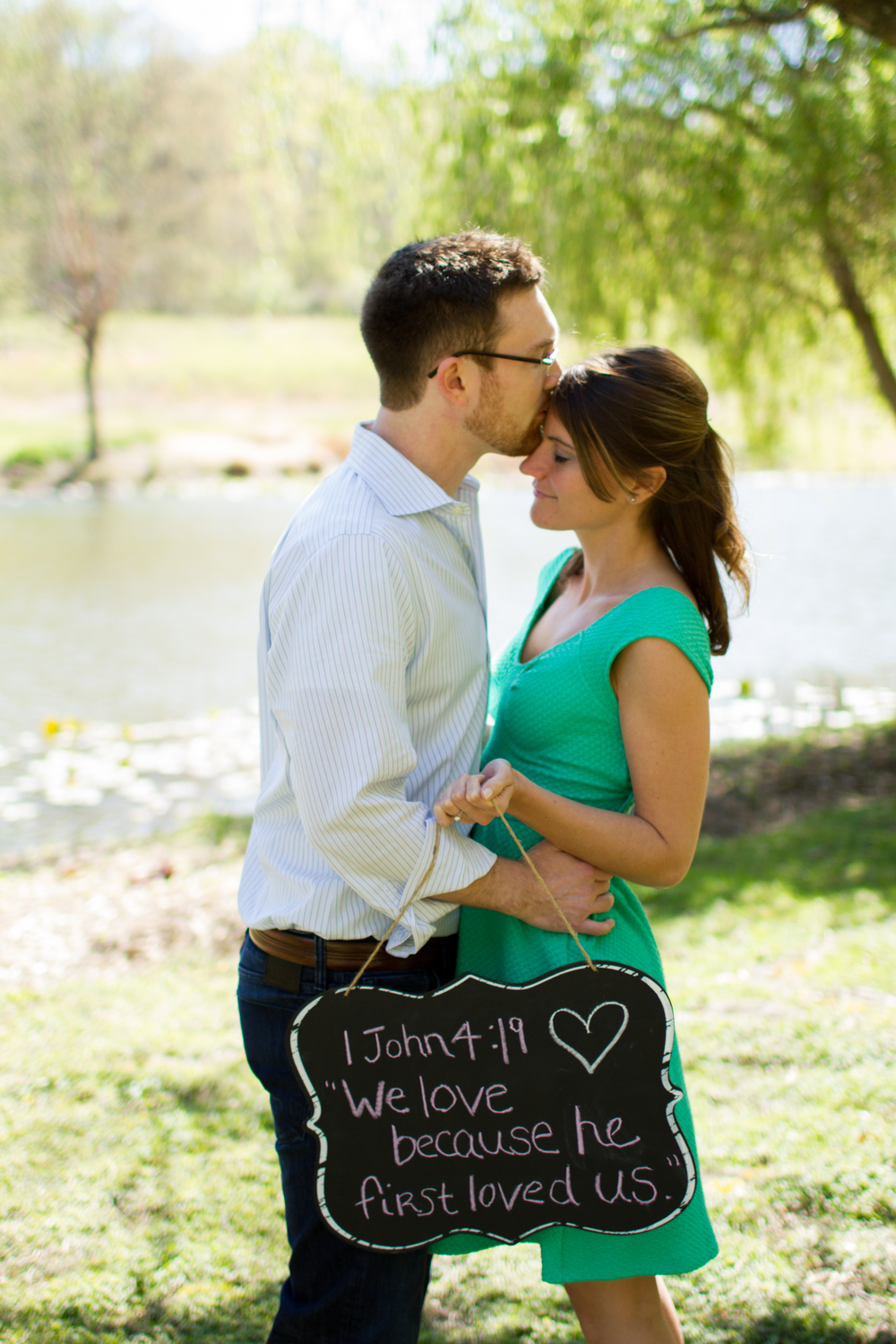 Meadowlark-Gardens-Spring-Engagement-Session