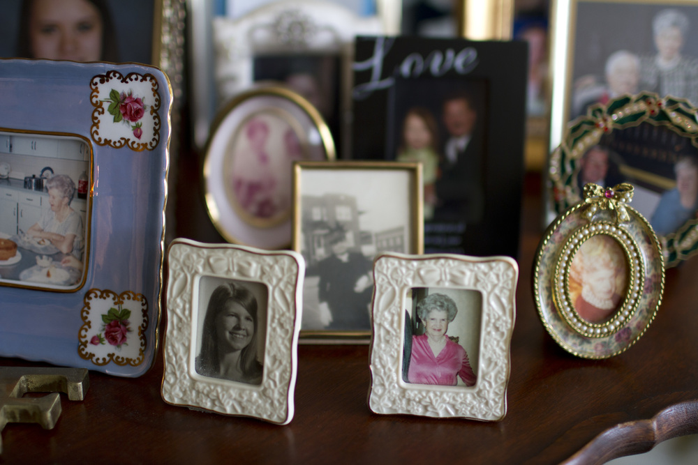 Framed-family-photos