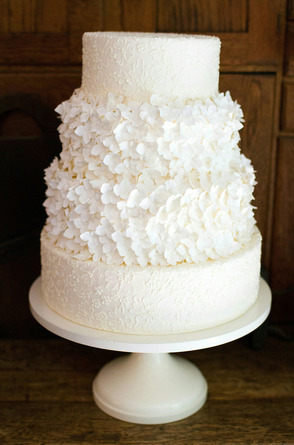 White wedding cake inspiration